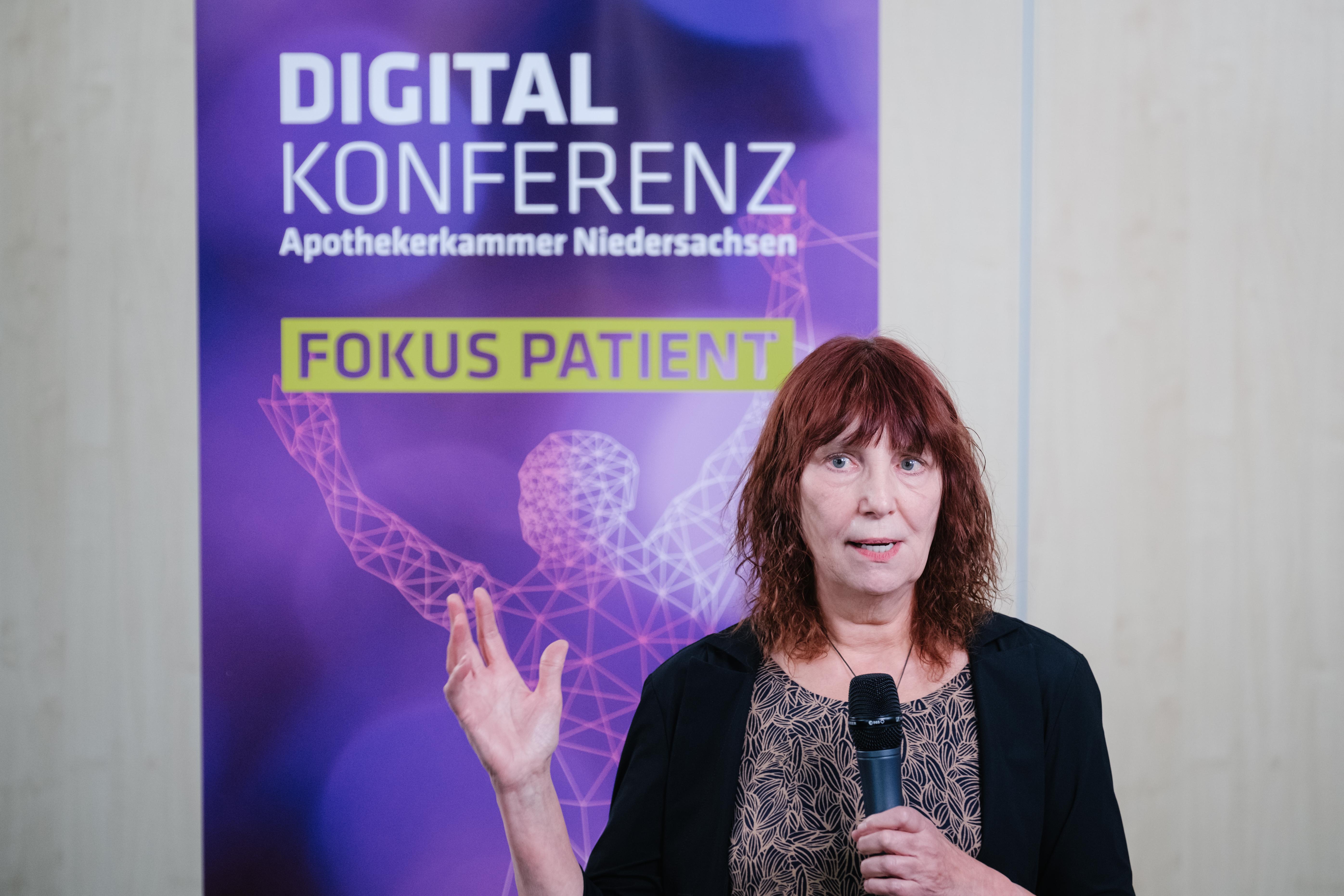 Dr. Marie-Luise Dierks spricht über die mangelnde Gesundheits- kompetenz bei über 50 % der Bevölkerung