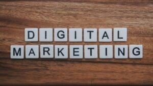"""Schriftzug """"Digital Marketing"""""""